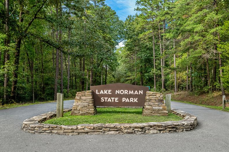 LESS THAN 15 MINUTES FROM LAKE ACCESS AT LAKE NORMAN STATE PARK