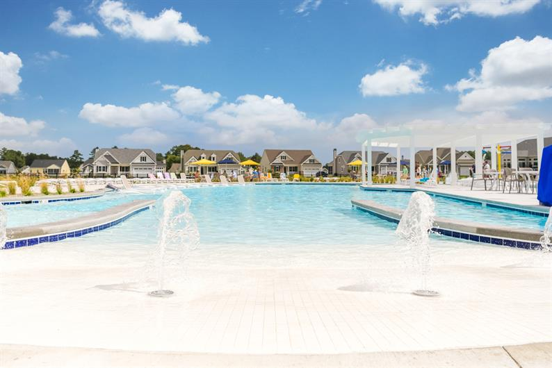 There's so much to do when you live at Peninsula Lakes