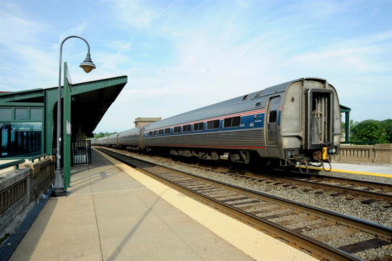 DOWNTOWN VRE STATION ONLY A MILE AWAY MAKES COMMUTING EASIER THAN EVER