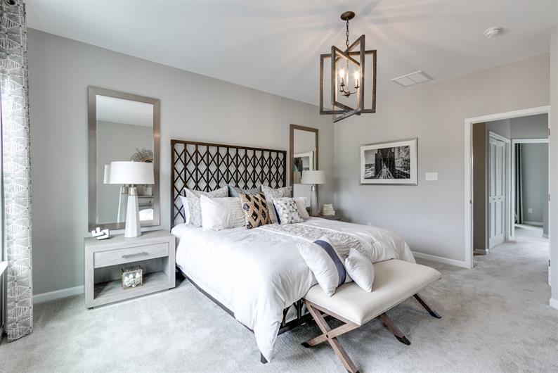 Large master suites with en-suite baths and a walk-in closet
