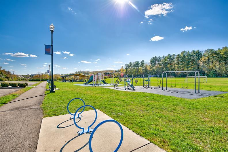 Collier Community Park & Rec Center only 1 mile away