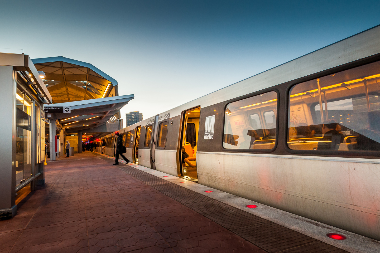 Enjoy complete access to everything the DC Metro lines have to offer.