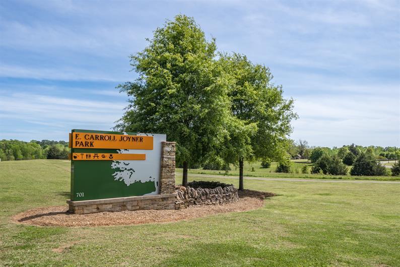 Only a few minutes to E. Carroll Joyner Park or Hill Ridge Farms