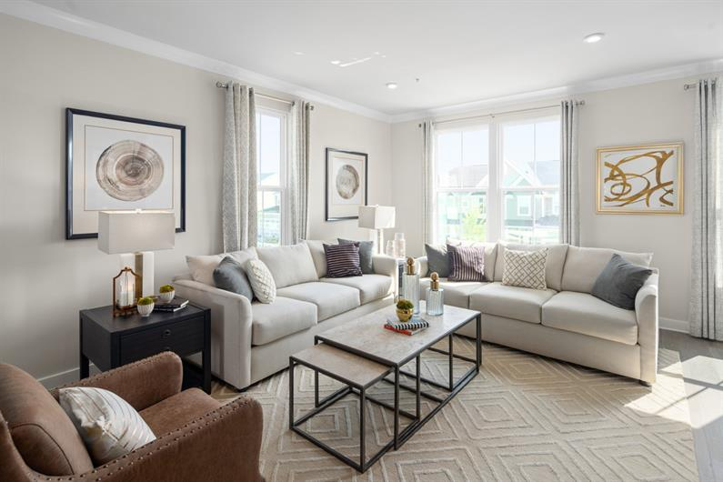 SPACE TO HOST A GATHERING OR MOVIE NIGHT