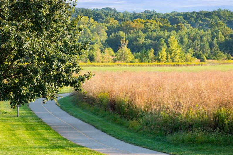 STAY ACTIVE OUTDOORS WITH COMMUNITY WALKING TRAILS
