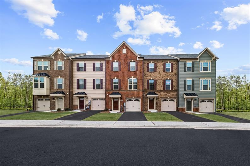 1 or 2 Car Garage Townhomes