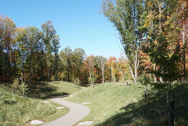 A SCENIC WELCOME HOME WITH METRO PARK TRAILS OUTSIDE YOUR DOOR