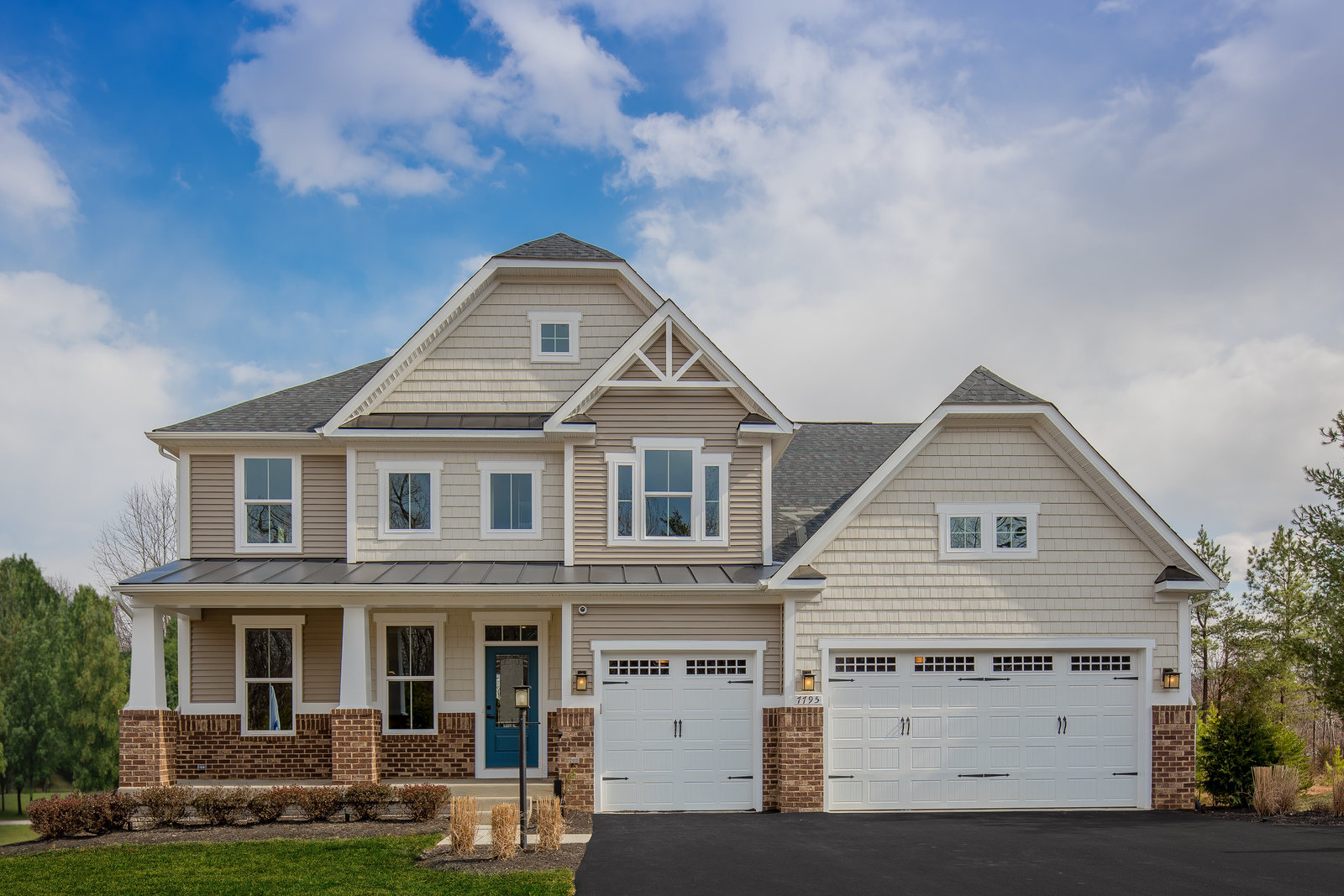 New Luxury Silver Summit in Robinson Township PA within the Montour