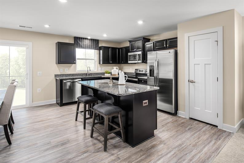 SPACE FOR HOSTING FAMILY AND FRIENDS