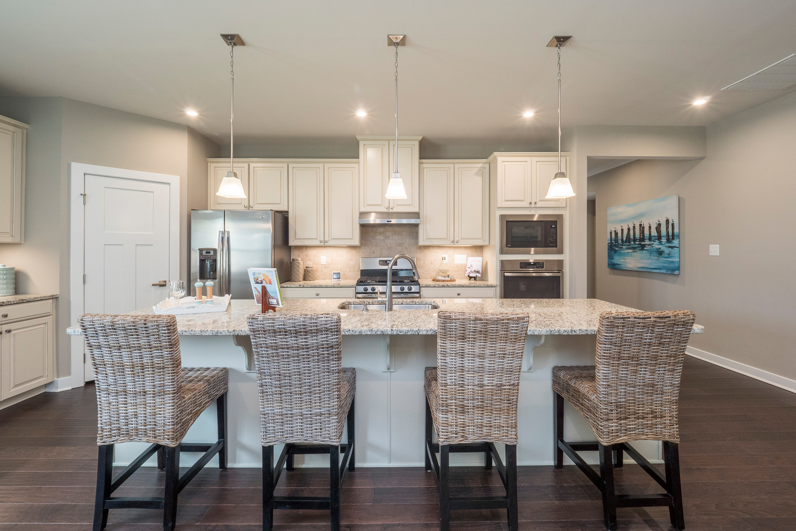 Your dream kitchen creates the perfect recipe for entertaining family and friends in comfort and style.