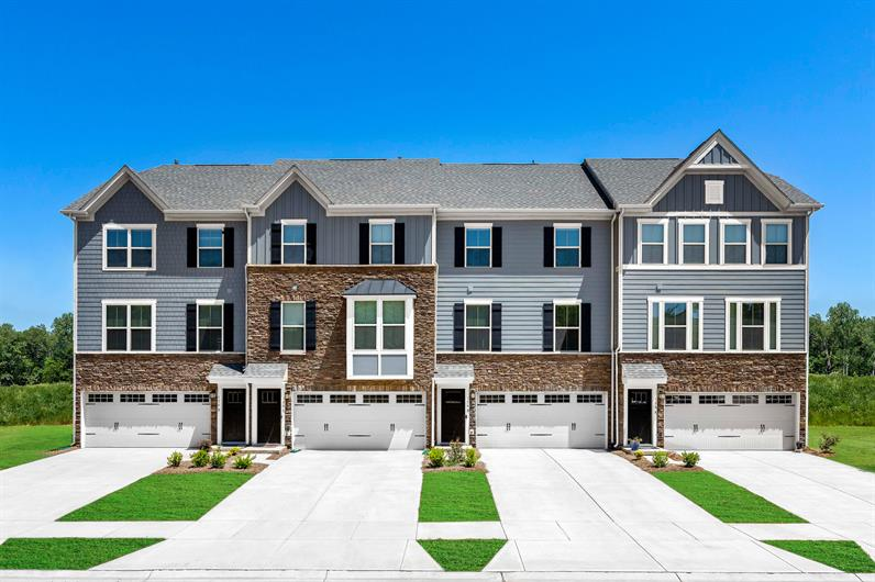 Townhomes within Walking Distance to Lake Norman and Langtree Village