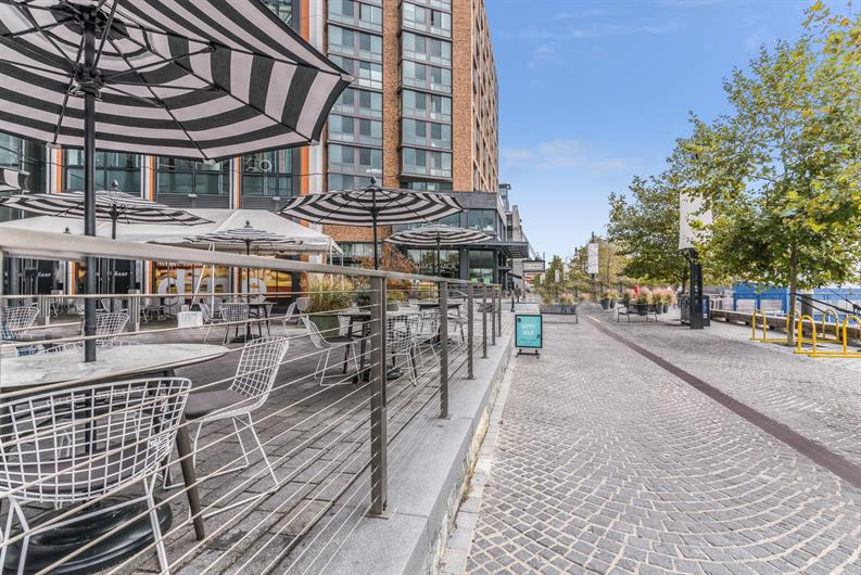 SHOP, DINE, OR PADDLEBOARD-6 MILES TO THE WHARF