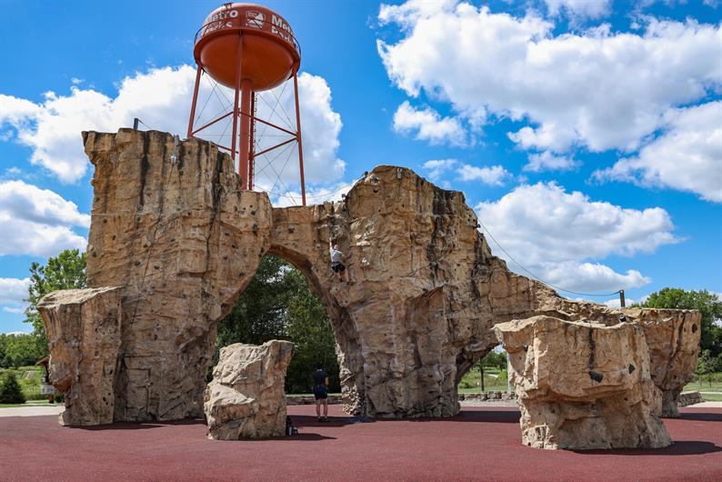 FAMILY FUN AT THE COMMUNITY PARK AND NEARBY METRO PARKS