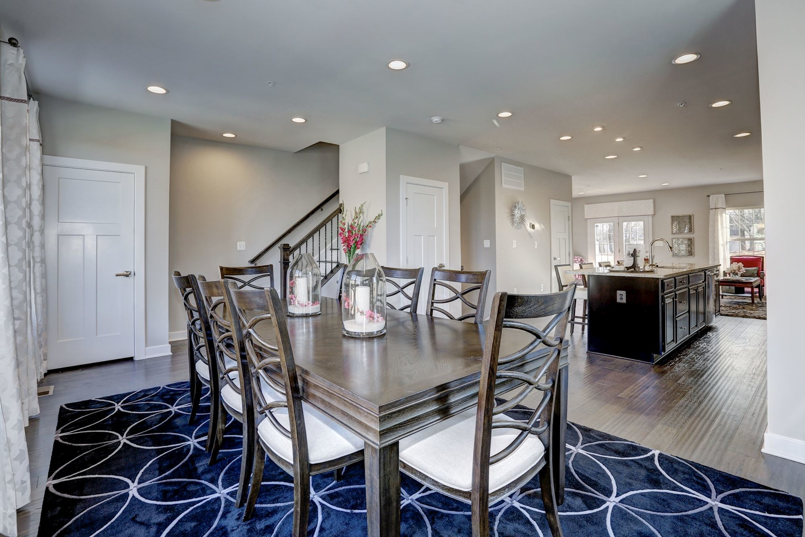 The perfect layout for an elegant meal or every day dinner giving lots of space the way you want to live.