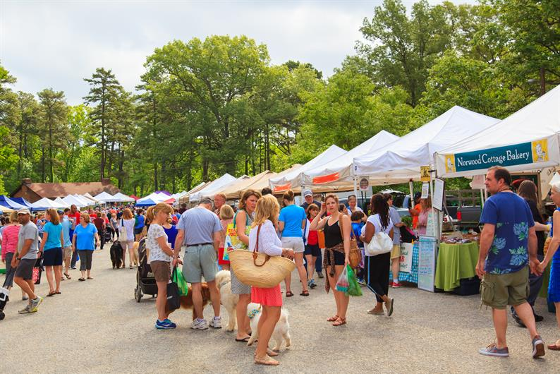 Imagine being just sixty seconds away from the farmers market…