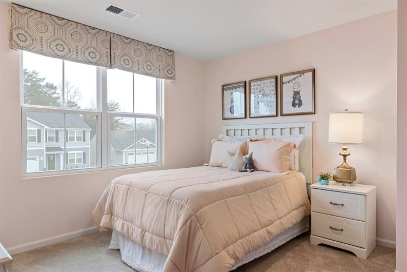 UP TO 5 BEDROOMS FOR THE KIDS OR GUESTS IN TOWN
