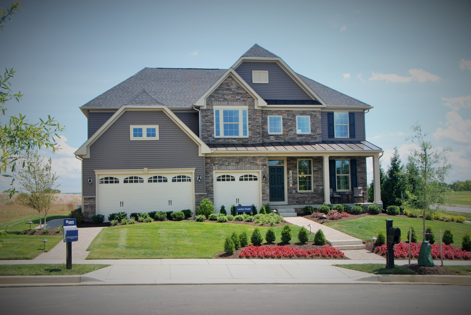Ious Homesites And Floorplans With Included Or Optional 3 Car Garages Gives