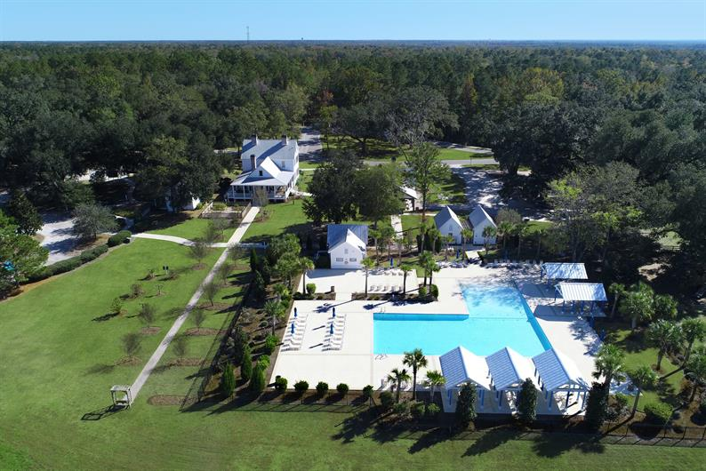 Saltwater pool, community clubhouse & event center