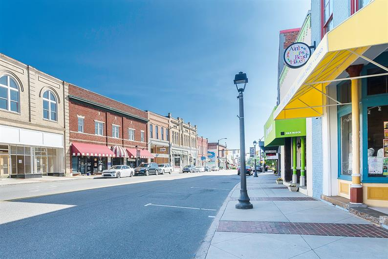 Explore Downtown Mooresville, Davidson, and more!