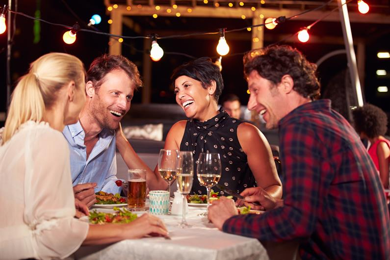 SPEND TIME OUT WITH FRIENDS AND NEIGHBORS WITH MANY DINNING OPTIONS