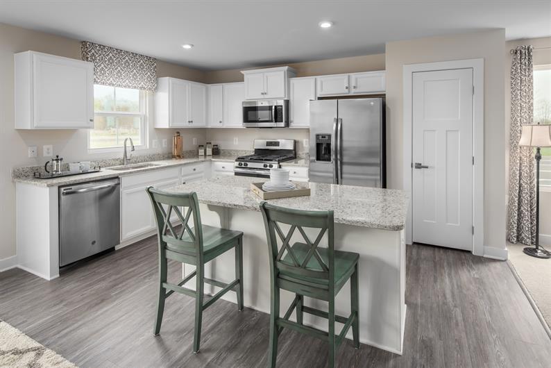 A beautiful kitchen & a spacious floor plan!