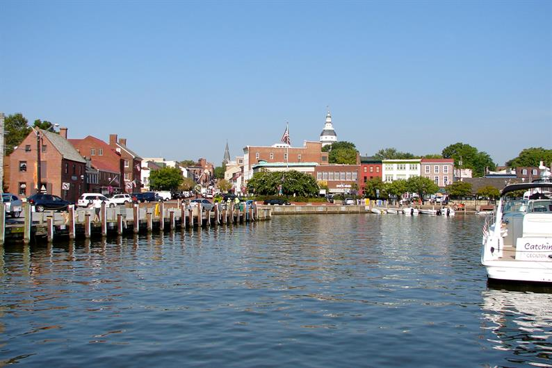 Minutes to Historic Downtown Annapolis