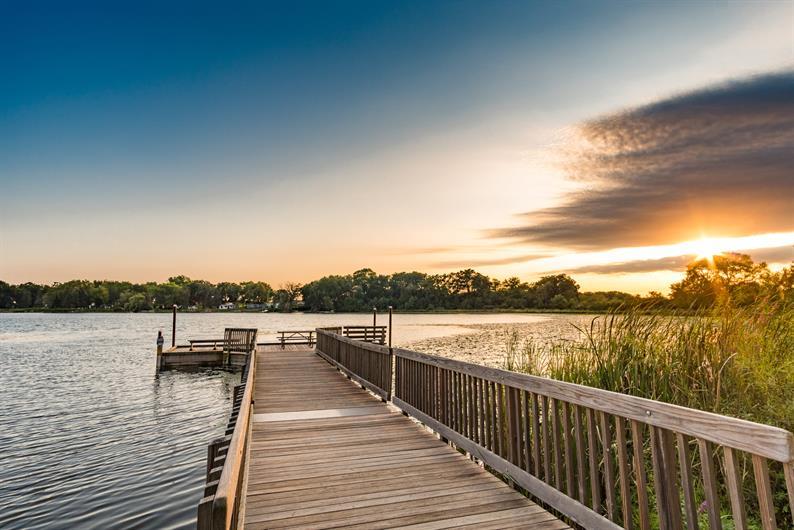 Picturesque Lakefront Community