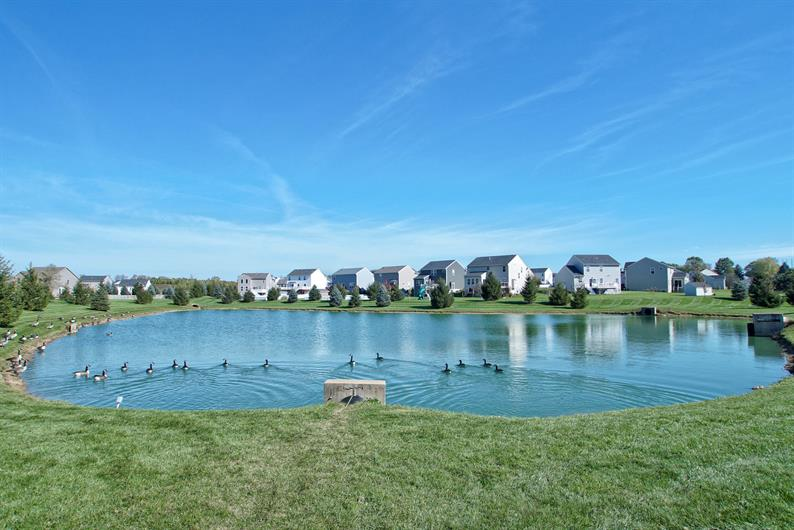 2 ENTRY PONDS AND WALKING TRAILS CREATE A PEACEFUL COMMUNITY VIEW