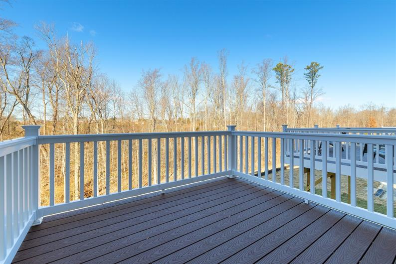 10' x 18' Composite Deck Included