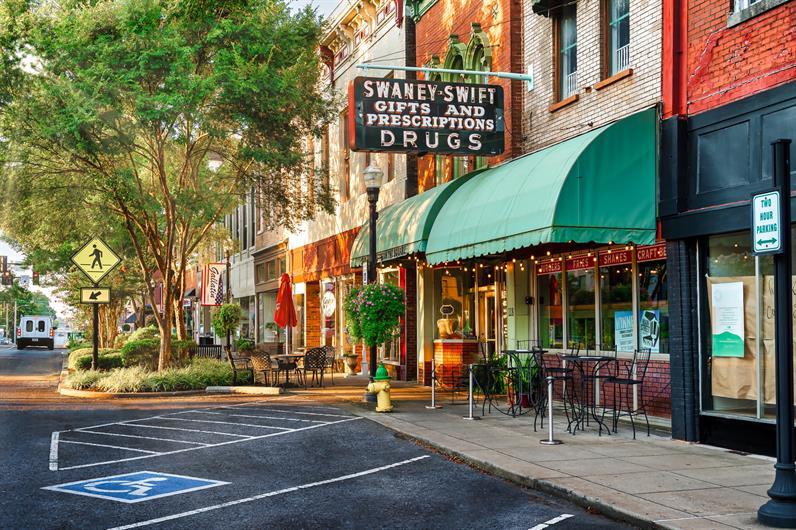 Experience Downtown Gallatin