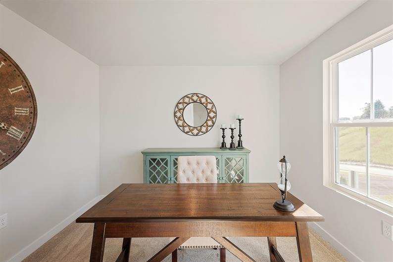 FLEX ROOMS FOR ELEGANT DINING OR YOUR FAVORITE HOBBY