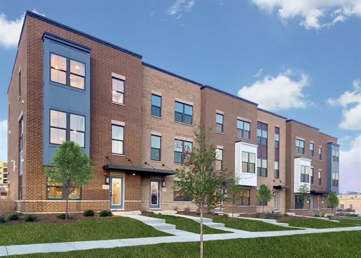 Luxury Rowhomes walkable to Downtown Mt. Prospect