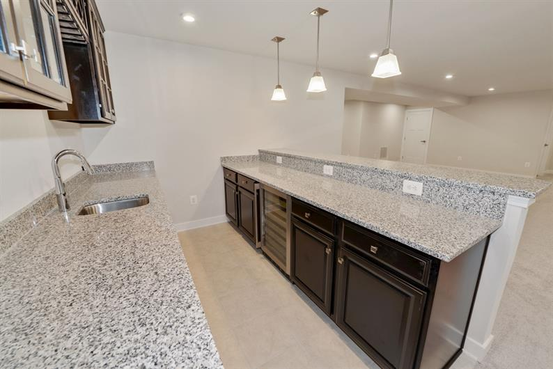WET BAR WITH GRANITE AND DELUXE FINISHES