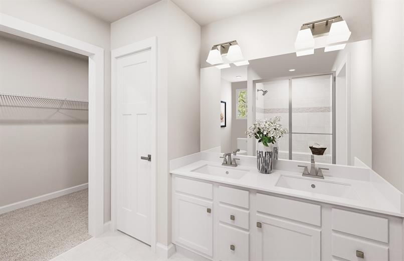 AN EN SUITE WITH SEATED SHOWER