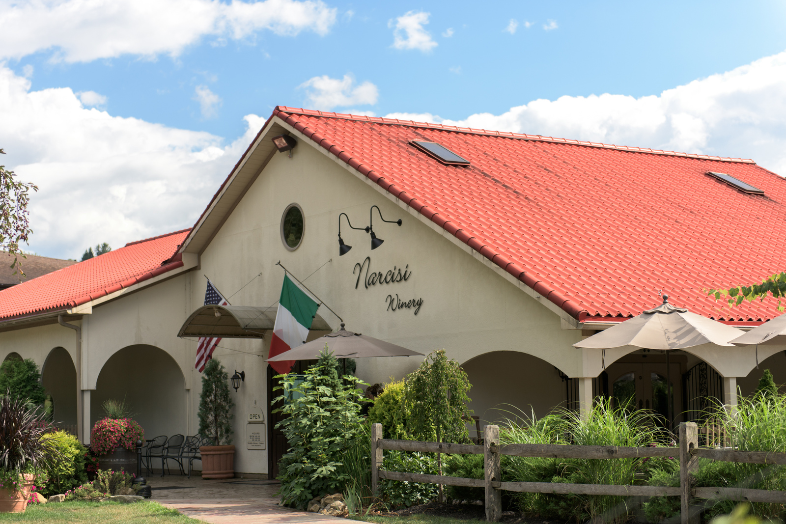 Narcisi Winery in Gibsonia offers wine tasting, dinner and special events a favorite hangout spot!