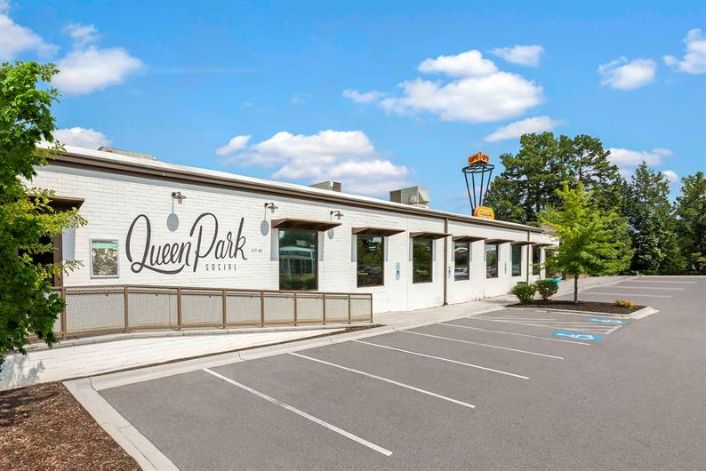 Have Some Fun with Friends at Queen Park Social