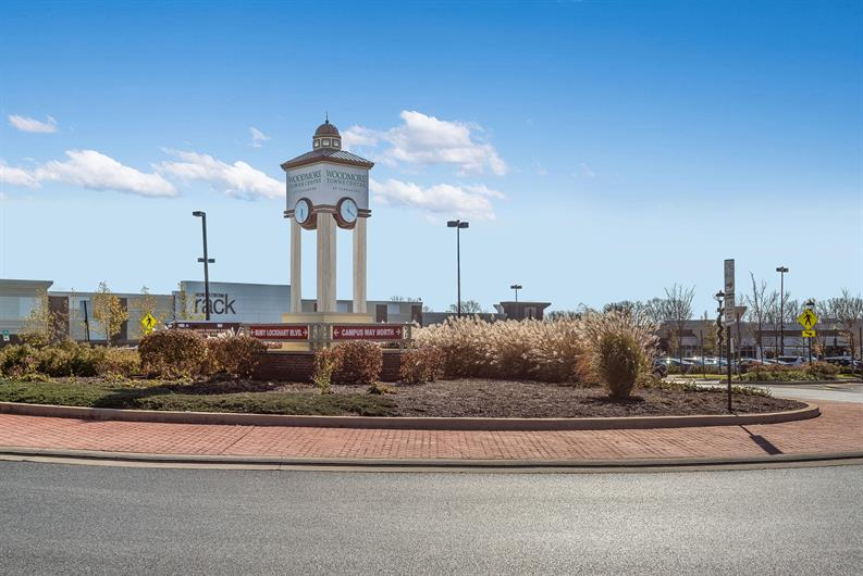 15 MINUTES TO WOODMORE TOWNE CENTRE