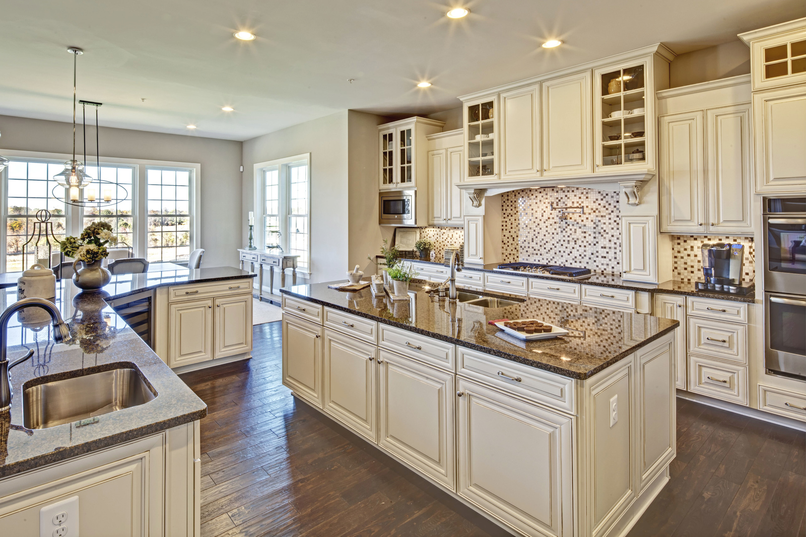 Maple cabinetry, granite countertops, stainless steel appliances and hardwood floors are all included - have the luxury kitchen of your dreams!