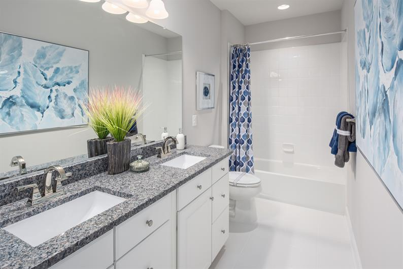 Airy Guest Bathrooms