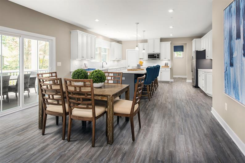 SPACIOUS KITCHEN & COVERED PORCH