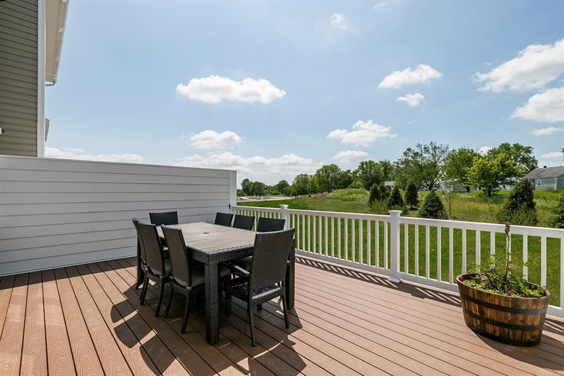 Over-sized Privacy Deck