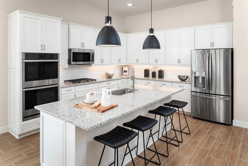 Spacious, Sleek Kitchens at The Falls at Parkland