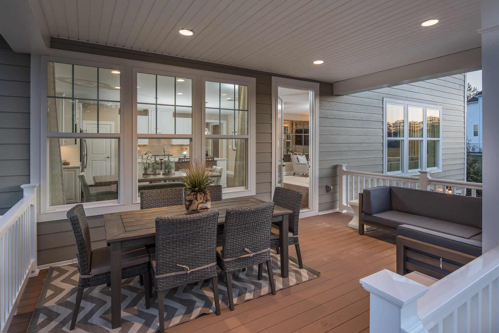 With our luxury covered porch option, dining al fresco is relaxing any time of year.