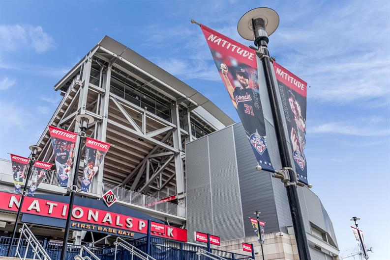 ONLY 2.5 MILES TO NATIONALS PARK