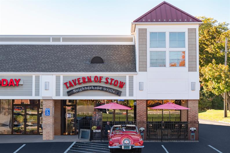 DINING AND SHOPPING ARE PLENTIFUL AT STOW-HUDSON TOWNE CENTRE, SHOPPES OF STOW, AND FIRST AND MAIN