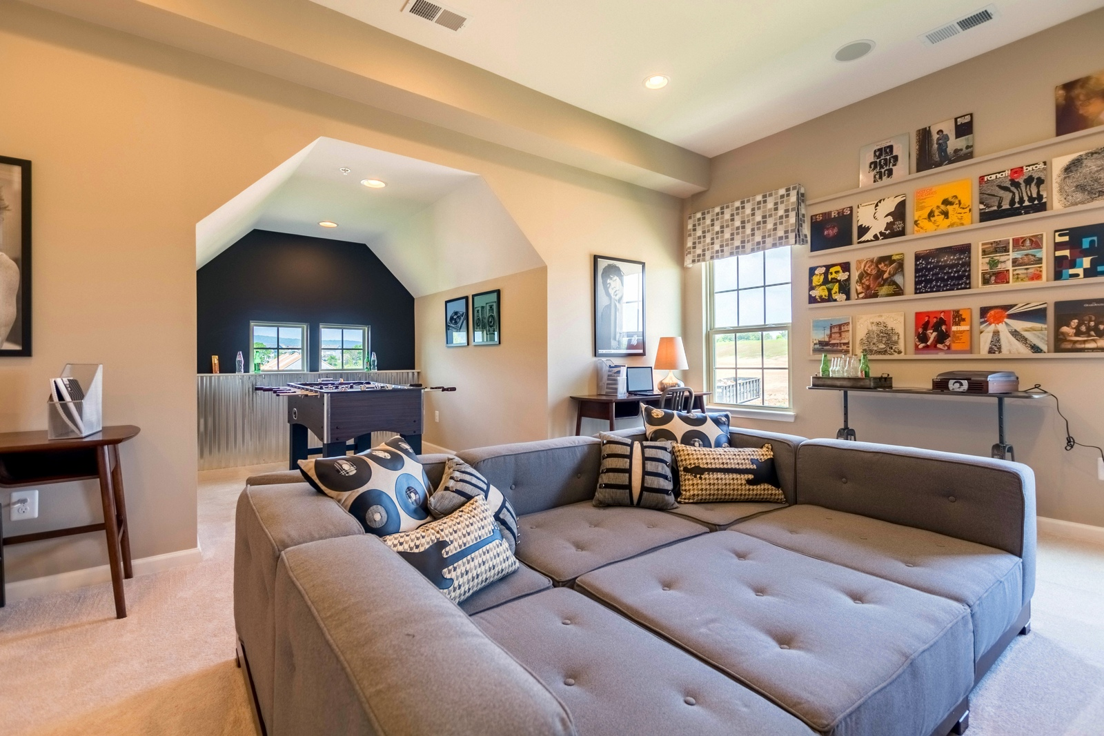 Several of our floorplans offer bonus room options–add a unique living area to your home!