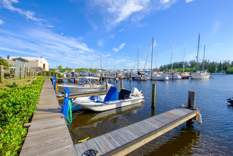 Huntington Place is close to Vero Beach marina