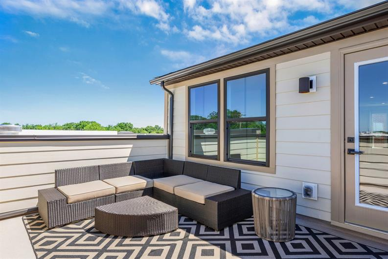 MORE SPACE FOR OUTDOOR ENTERTAINING