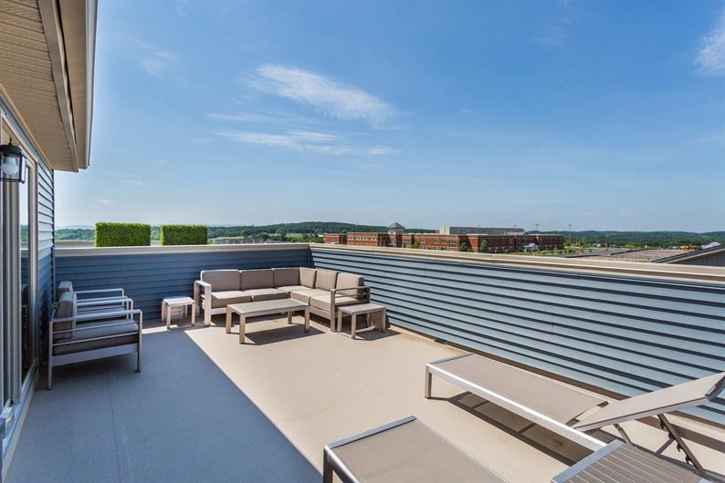 Outdoor entertaining on your rooftop deck
