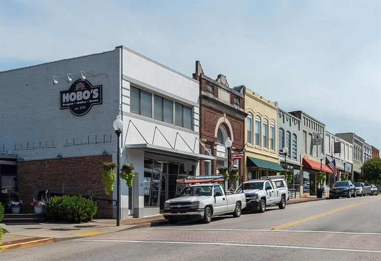 Explore Shopping and Dining Options in Downtown Fort Mill